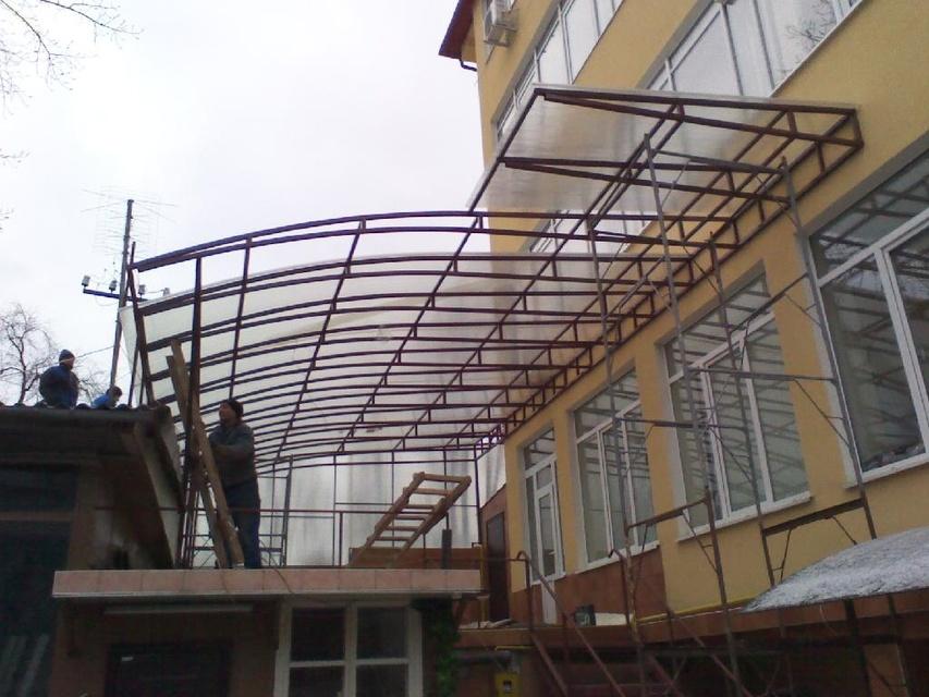 Террасы, навесы, балконы, козырьки, бельевые, окна.