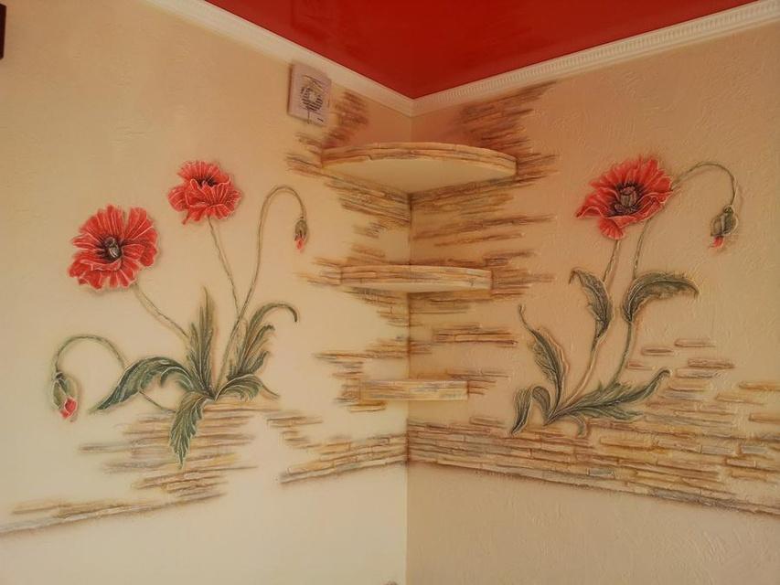 Узоры на стене из гипса