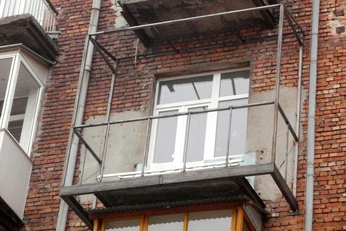 Расширение (вынос) по полу - лінія вікон.