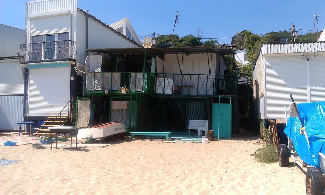 Comprare una casa a Pietrasanta sulla spiaggia con un molo