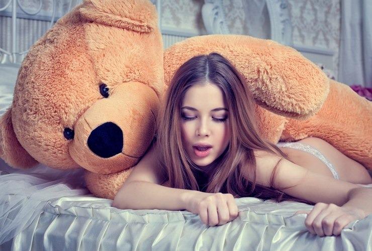 фото девушек с фалоэмитатором