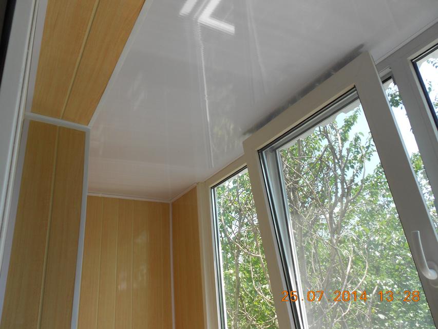 Натяжной потолок на балконе на морозе: 3 варианта крепления .