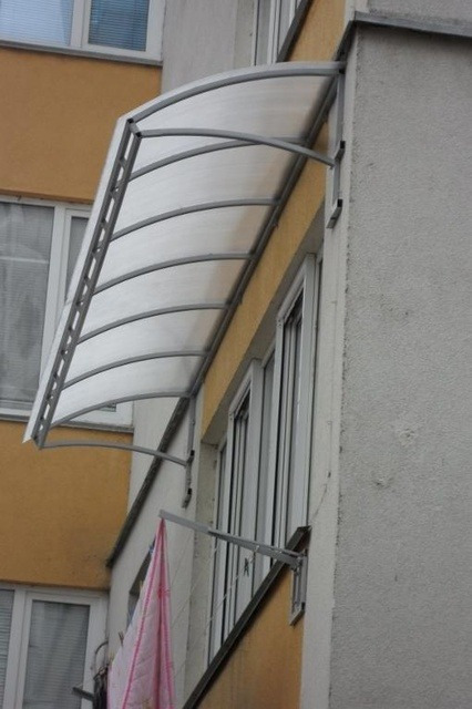 Крепление козырька на балконе..