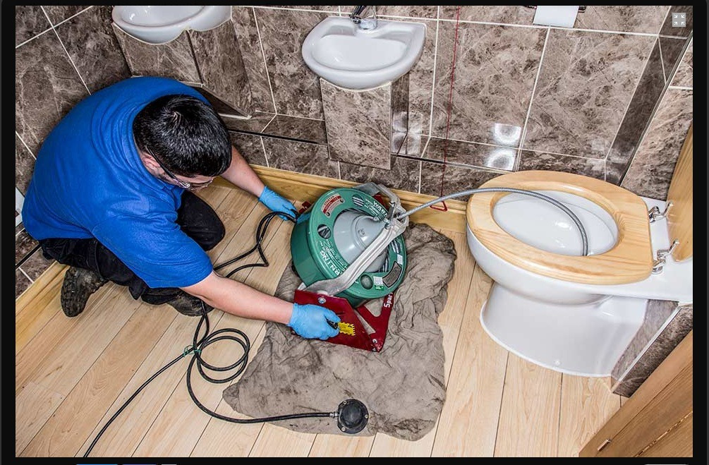 Прочистить канализацию в доме своими руками