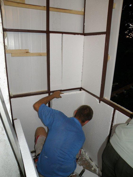 Бельцы.отделка балконов сайдингом сэндвич-панели любой этаж .