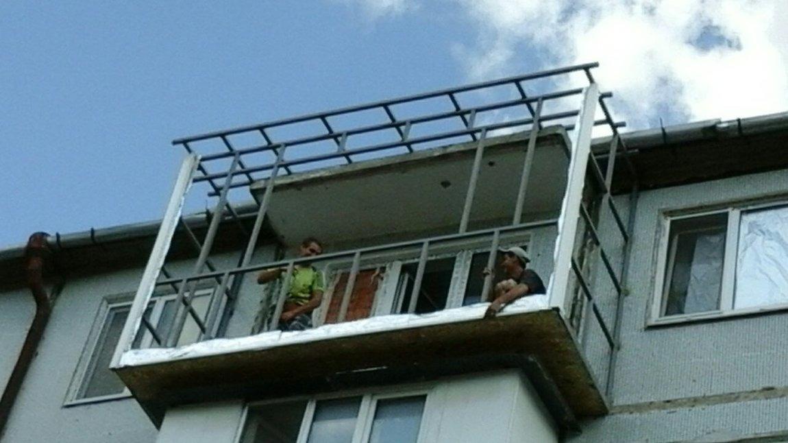 Бельцы. изготовление установка крыш над балконами расширение.