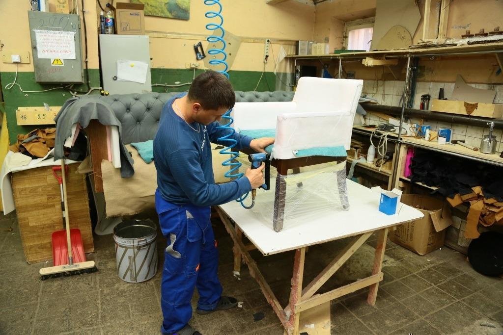 Качественная перетяжка и ремонт мягкой мебели.