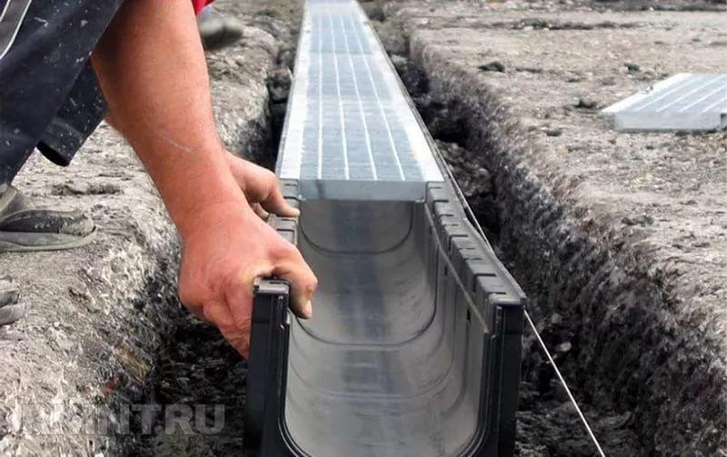 Как сделать отвод воды от дома с крыши