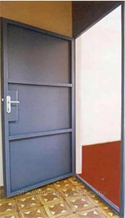простые железные входные двери