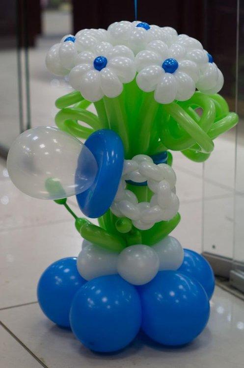 Цветы из шаров на выписку из роддома
