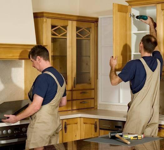 сборщики собрали мебель на кухни некачественно Английский язык