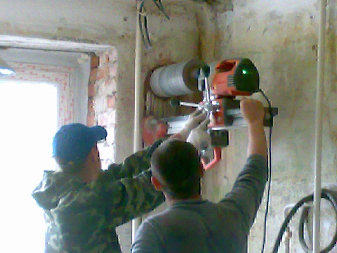 Как сделать выход вентиляции в стену