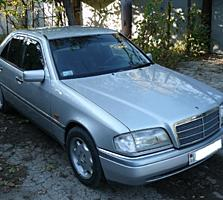 С 1995, седан