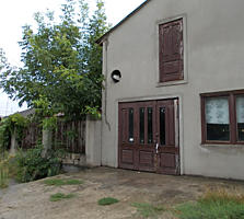 Продается участок с надворными постройками, земля в собственности