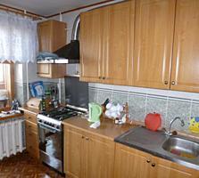 Продается 3-комнатная квартира напротив ЛечСанУпра