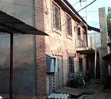 Продаю два дома в центре Тирасполя.