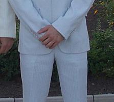 Бендеры. Светлый костюм мужской, в отличном сост, 44-46 раз. 50$.