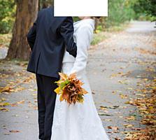 Продаю свадебное платье с шубкой и ботинками