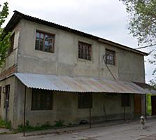 Дом 2-эт. 3 гаража, котел, 2 склада, беседка, подвал
