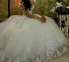 Белоснежное пышное в камнях свадебное платье+подарок!