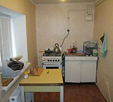 2 дома-2 паспорта, по 2 комнаты, 2 кухни и 2 санузла.