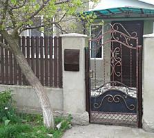 Срочно продам дом с гаражом и участком