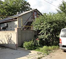 Продаётся часть дома в центре