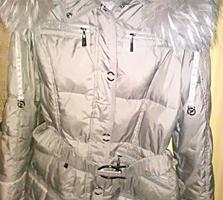 Срочно продается недорого женская куртка пуховик с натуральным мехом
