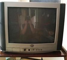 Телевизор б/у, изображение отличное