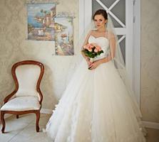 Сдам в прокат, Продам свадебное не венчанное платье