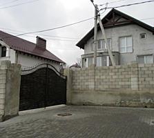 Дом расположенный в престижном и экологически чистом районе Кишинева.