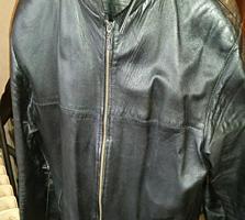 Кожаная куртка в отличном состоянии XL