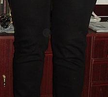 Джинсы 32 размер, новые, чёрного цвета, 100% котон, 300 лей.