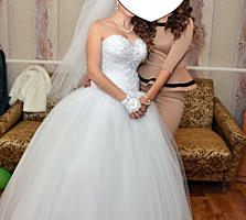 Свадебное платье 1500 р + перчатки, бижутерия.