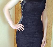 Платье нарядное чёрное облегающее стрейч-гипюр и атлас 48 р. (Польша)