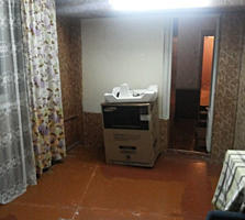 Продаётся 2-ком. квартира на пентагоне. Большая лоджия на 1-2 фото