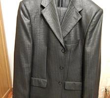 Нарядный костюм-двойка, 52р/188см.