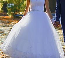 Продам свадебное платье. Торг уместен.