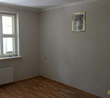 Vind Apartament 3 camere Orhei