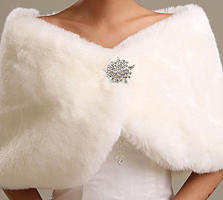 Свадебные накидки, шубки: прокат, продажа.
