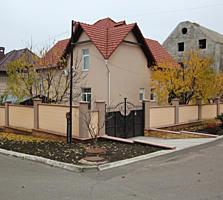 Дом в элитном секторе, индивидуальный дизайн, 5,6 соток, гараж!