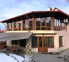 Дом в Думбраве, 310 м2, асфальт к дому, евроремонт, со всем как есть.