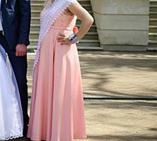 Vind rochie mama-fiică, cusute la comanda și îmbrăcate o singură dată.