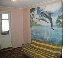 Продается большая комната в общежитии с мебелью.