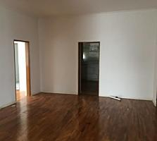 Banca vinde Casă de locuit! 3 nivele, 9 ari, 370 m. p!