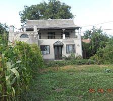 Продаётся 2-этажный дом в с. Кожушна Страшенского района. 12 соток.