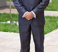 ПРОДАМ костюм в отличном состоянии, рост 173, вес 65-70, размер 44