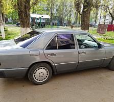 Мерседес 124 седан