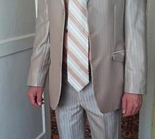 Продам костюм+рубашка+ галстук. Размер 46/48
