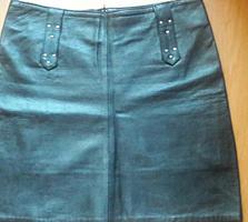 Продам кожаную юбку и жилетку чёрного цвета в отличном состоянии